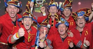 Bert van Hoondervel opent de Weekendclub